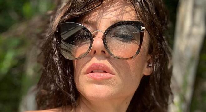 Paolla Oliveira exibe óculos de sol gatinho de R$ 3.667