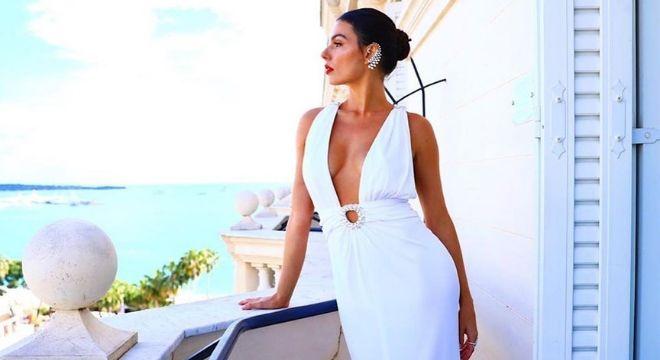 Monocromia sensual veste brasileiras no Festival de Cannes