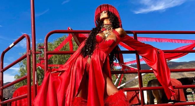 Música: Lais Ribeiro vira amazona sexy em clipe do Afrojack