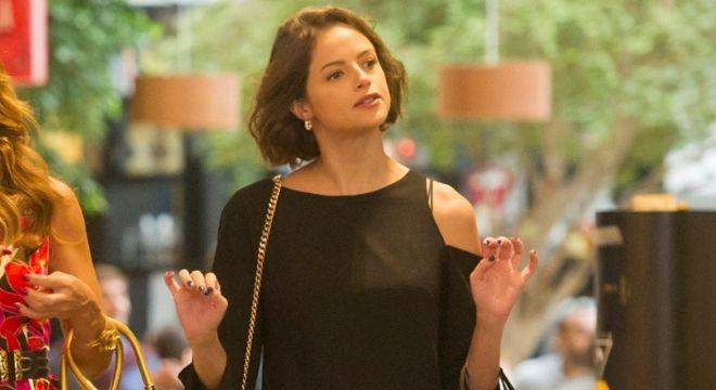 Novela: Vestido com recorte da Agatha Moreira custa R$ 348