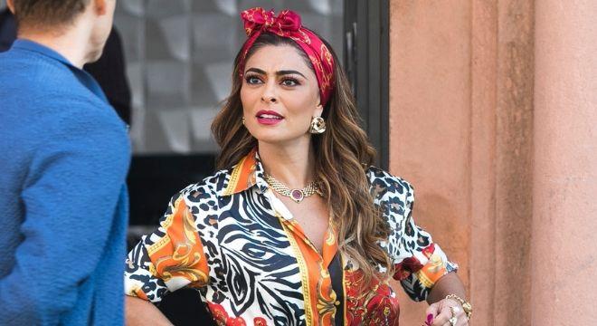 Juliana Paes usa tiara de R$ 98 e brinco de R$ 69 na novela