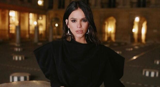 Bruna, Sabrina ou Isis: vote em 13 looks das famosas em Paris