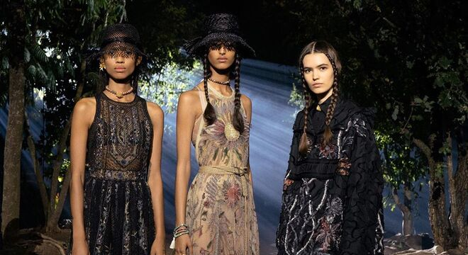 Moda em Paris: invasão em desfile e sustentabilidade em alta