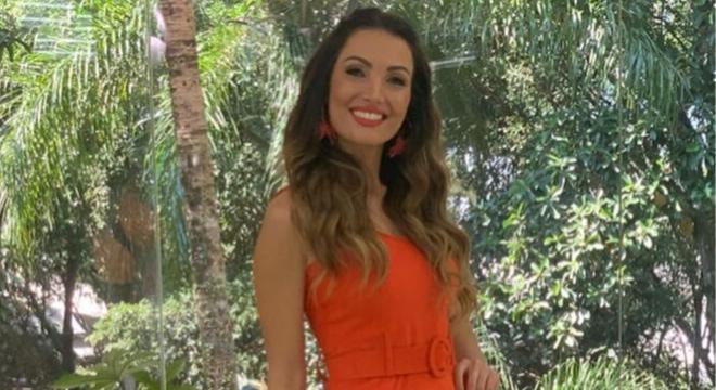 Patricia Poeta apresenta programa com vestido de R$ 1.370