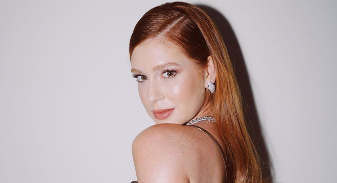 Vote no look mais estiloso da Marina Ruy Barbosa no México