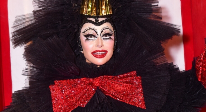 De Sato a Preta: Vote na fantasia mais fashion de Halloween