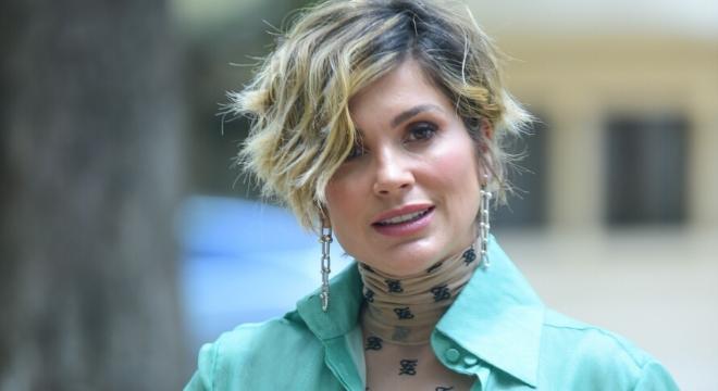 De cabelo novo, Flávia Alessandra usa look de R$ 36,7 mil