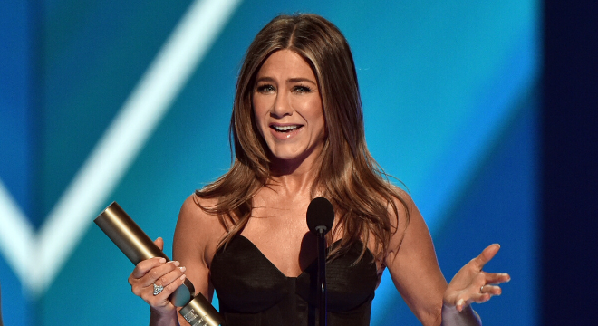 Jennifer Aniston puxa fila dos pretinhos no People's Choice