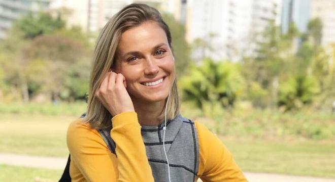 Renata Kuerten mostra looks estilosos para prática esportiva