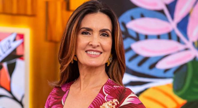 Carnaval: Fátima Bernardes usa looks coloridos de até R$ 498