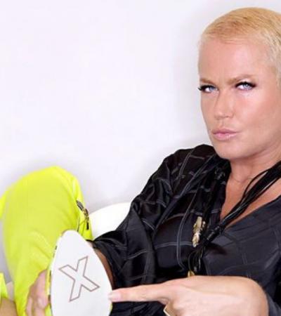 Aos 57 anos, Xuxa mostra como usar bota amarela sem trauma