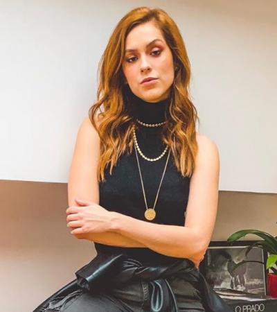 Aprenda com as famosas 6 formas de usar blusa preta básica