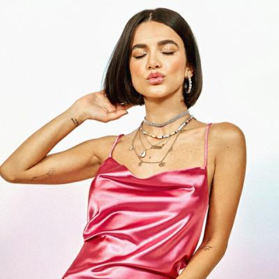 Manu Gavassi lança coleção de roupa com preços até R$ 189,99