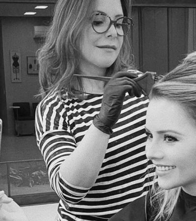 Sandy e famosas pedem ajuda à família para cuidar dos cabelos