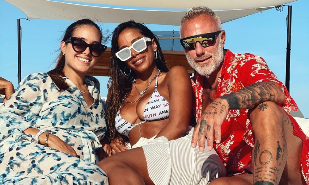 Anitta e amigos na Itália (Foto: Reprodução/Instagram/@anitta)