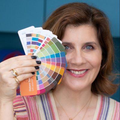 De grisalhos a óculos, como as cores valorizam a imagem pessoal