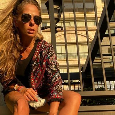 """Galisteu e Larissa mostram a versatilidade do """"tênis feio"""""""