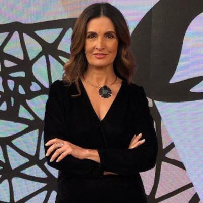 Fátima, 58 anos: 5 lições fashion com looks pretos básicos