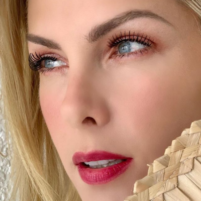 Hickmann usa lip tint de R$ 17,45 como sombra, blush e batom