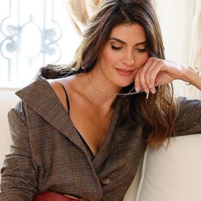 Isabella Fiorentino ensina 2 truques para atualizar blazer