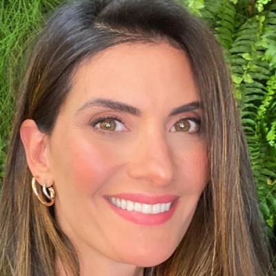 Isabella Fiorentino revela tratamento para frizz no cabelo