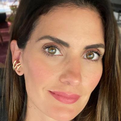 Isabella Fiorentino cobre fios brancos com henna de R$ 34,10