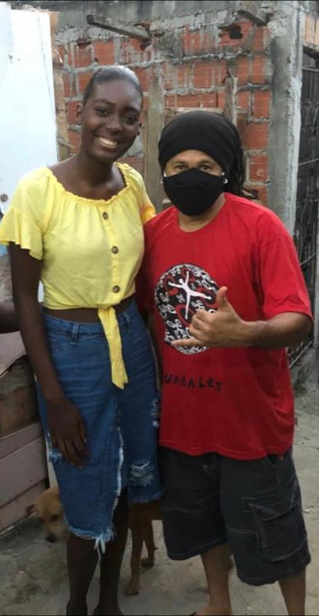 Rebeca Farias e Marivaldo dos Santos quando foi descoberta (Foto: Divulgação)