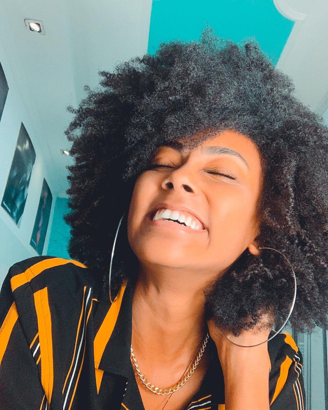 Lorenna Adrian cabelo crespo (Foto: Reprodução/Instagram