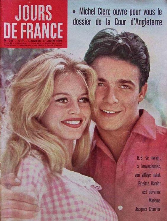Brigitte Bardot com o vestido que de casamento com Jacques Charrier (Foto: Reprodução)