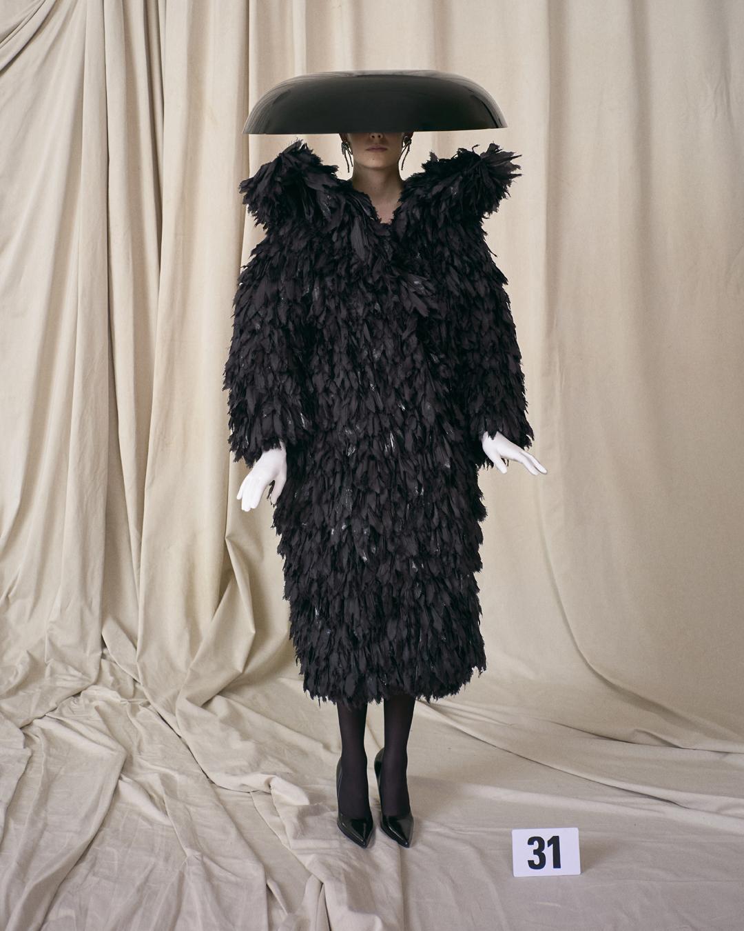 Look alta-costura de Balenciaga (Foto: Reprodução/Instagram)