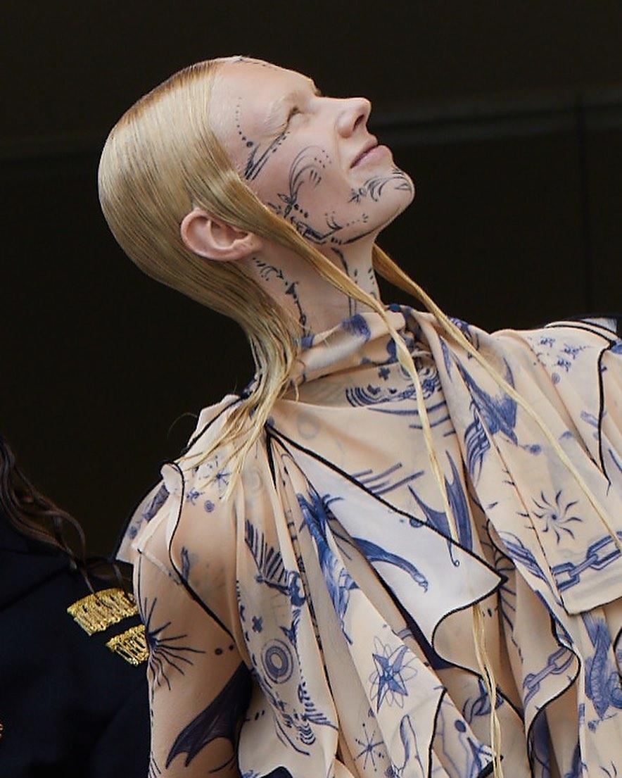 Looks de alta-costura de Jean Paul Gaultier (Foto: Reprodução/Instagram)