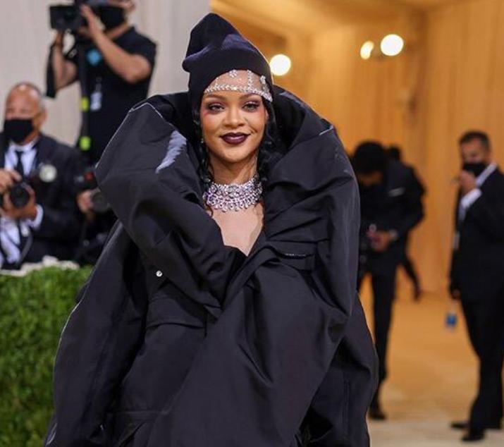 Rihanna (Fotos: E! Entertainment/Divulgação)
